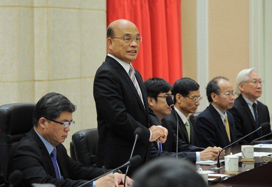 討厭繁文縟節,蘇貞昌提醒內閣官員:「拜託不要落落長、不要講大道理;發生什麼事、要...