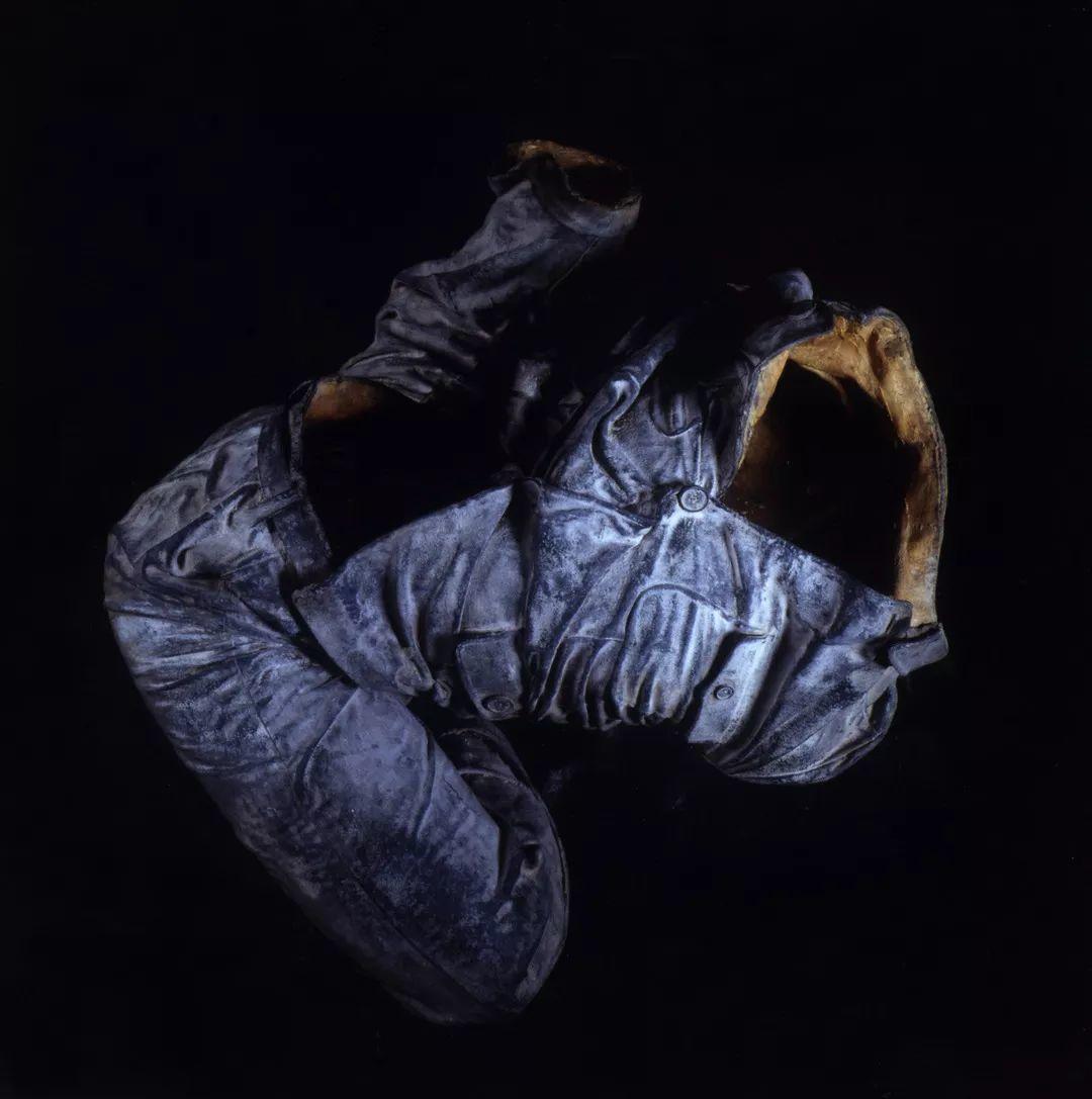 展望〈中山裝軀殼1#〉1994 青銅 37 x 78 x 65 cm丨ed.5/...