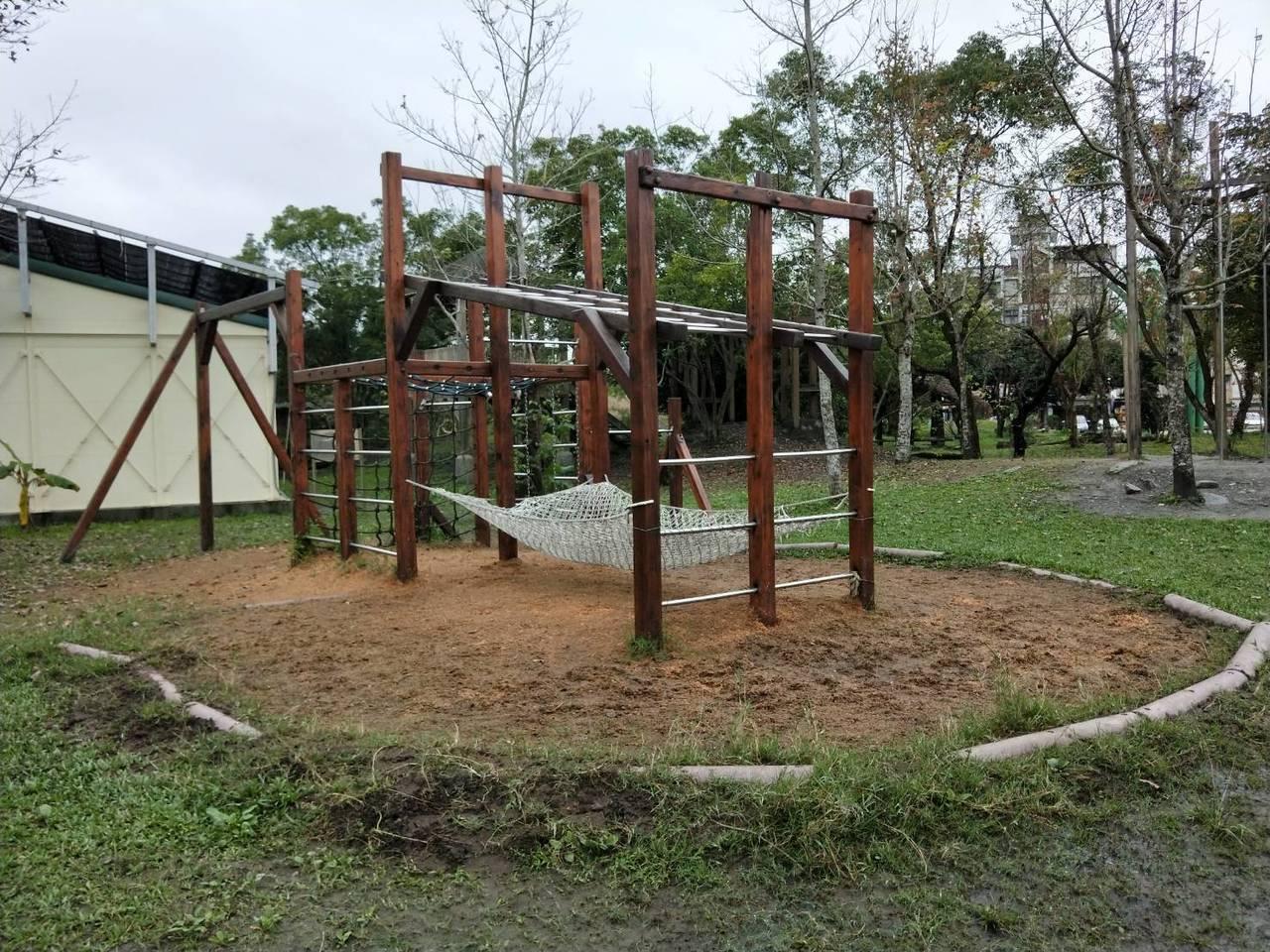 慈心華德福實驗學校開放式校園,啟發教育,鼓勵孩子接觸大自然。 記者江婉儀/攝影