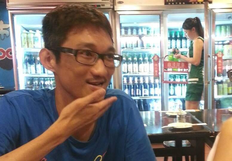 網紅A濫批白冰冰引發爭議。圖/摘自臉書(※提醒您:禁止酒駕 飲酒過量有礙健康)