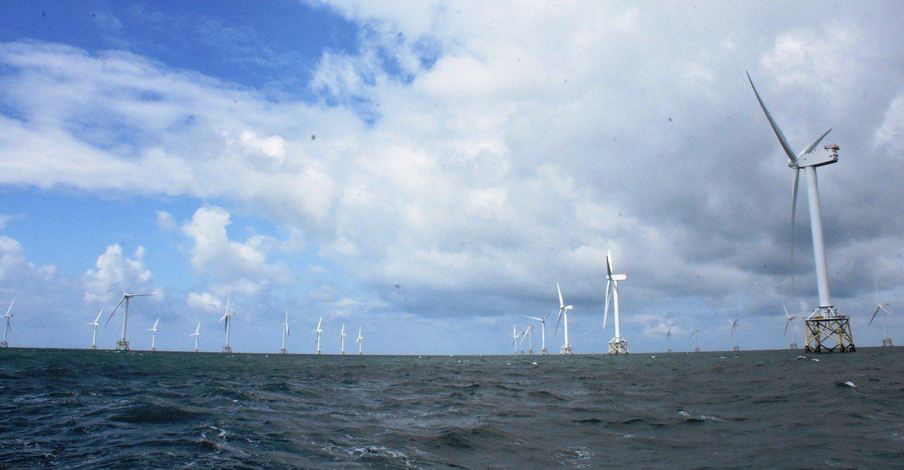 離岸風電開發由於風電廠商無法取得彰化縣政府複審同意函,因此無法拿到電業籌設許可,...