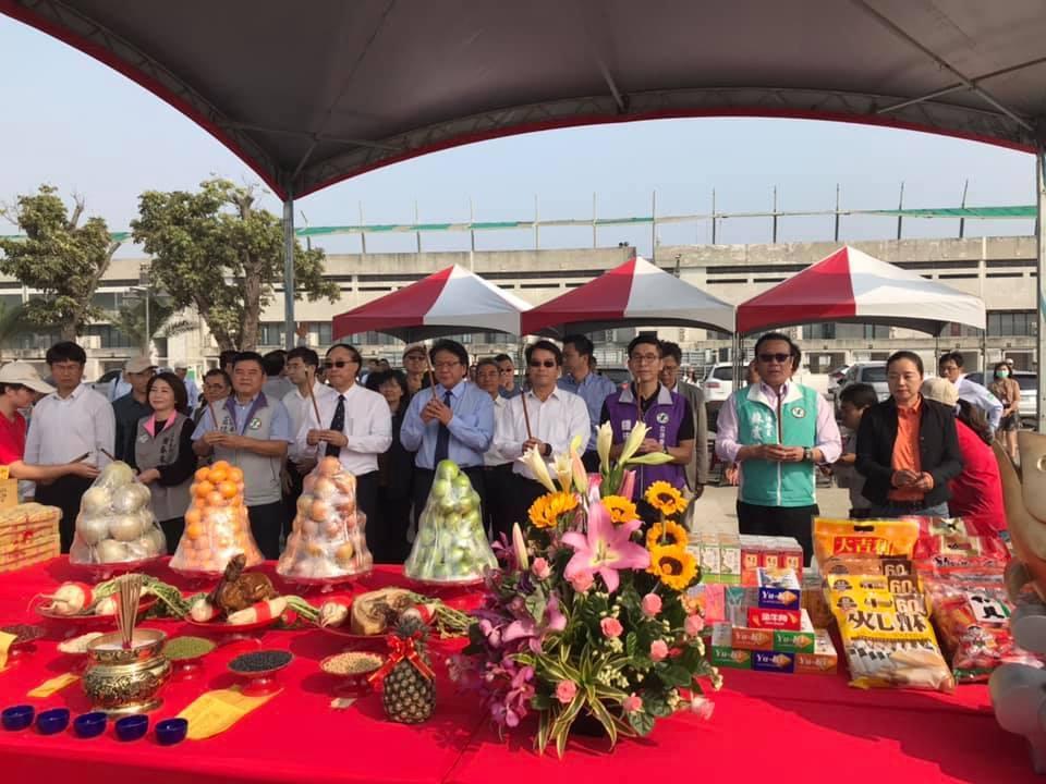 2019台灣燈會主燈「巨鮪來富」今天下午兩點正式安座。記者江國豪/攝影