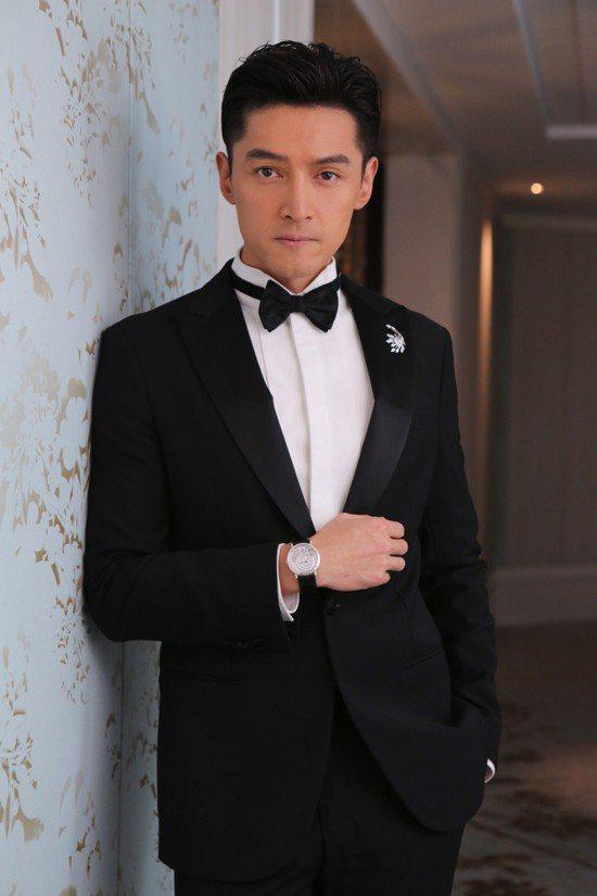 胡歌是Piaget的首位華人臉孔的品牌推廣大使,先前也曾受邀到金馬獎,擔任頒獎人...