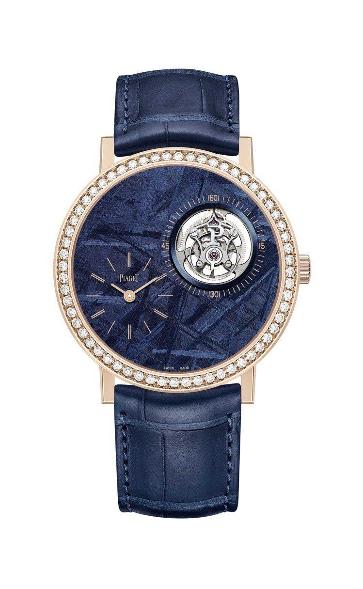 胡歌配戴了他最愛的Piaget Altiplano陀飛輪腕表,18K玫瑰金表殼,...