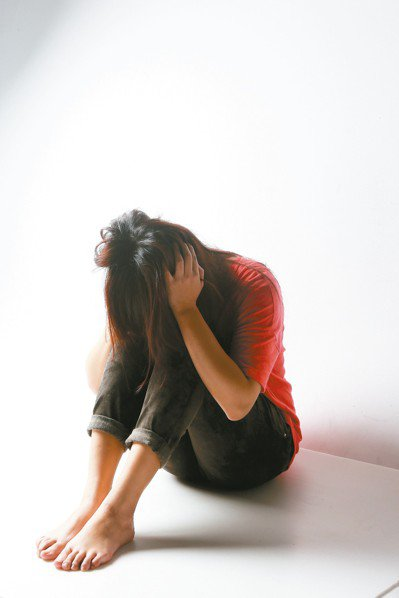 許多婦女春節無法回娘家,而出現憂鬱症狀。 圖/聯合報系資料照片