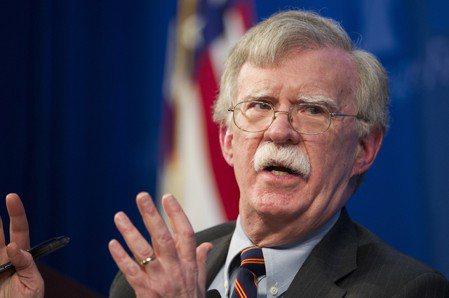 美國國安顧問波頓,曾要求國防部提供攻打伊朗的軍事方案。(美聯社)