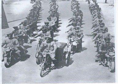 1952年郵差出發投遞的陣容。 圖/中華郵政提供