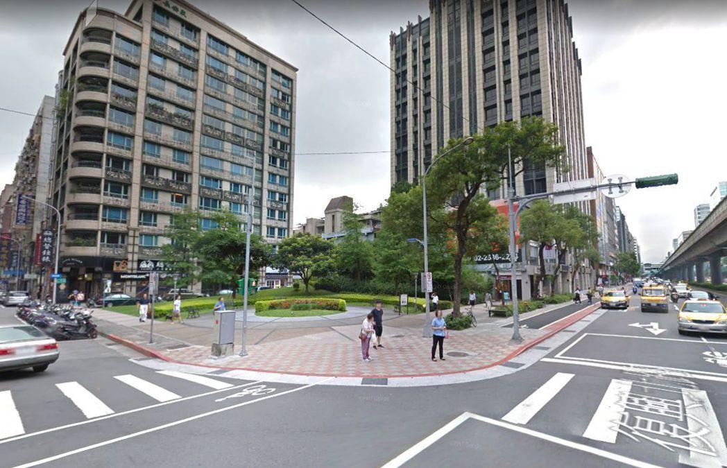 長安復興地為近年來台北市難得釋出的所有權土地,非常適合規劃做企業總部,將於3/7...