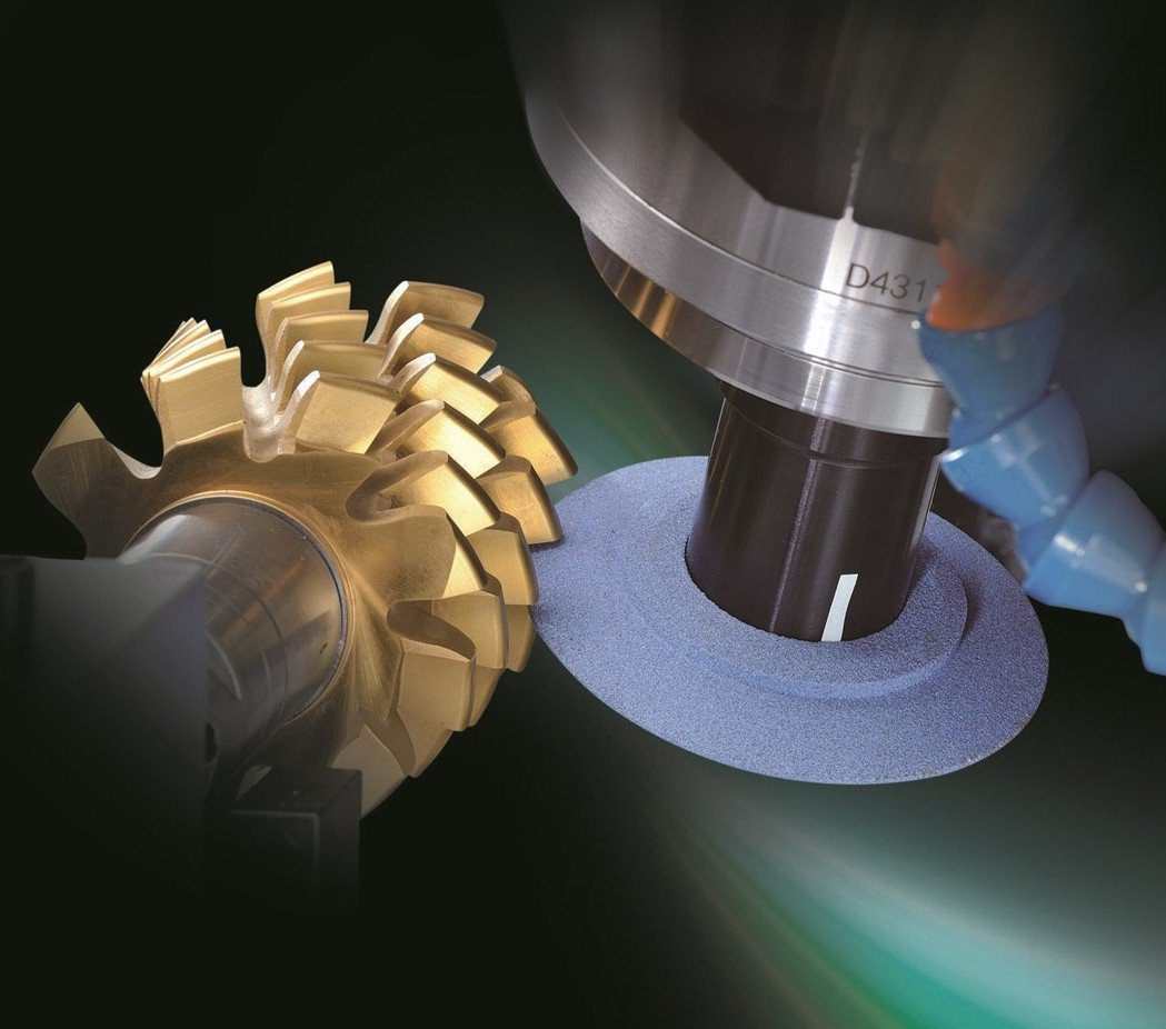 陸聯精密滾齒刀磨銳機,可磨銳直槽、螺旋槽滾齒刀及螺旋鉋齒刀刃口。 陸聯精密/提供