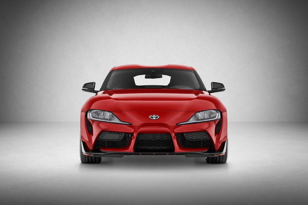 碩大的進氣壩和下擾流板,正是GR部門打造的風格。 摘自Toyota
