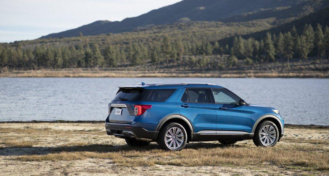 Ford表示,Explorer Hybrid擁有超過500英里(約805公里的)...