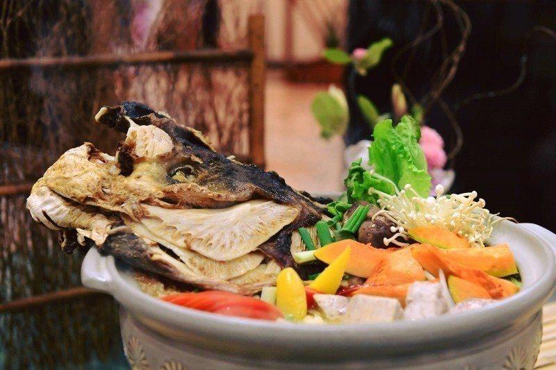 料豐味美的砂鍋鰱魚頭。 歐都納/提供