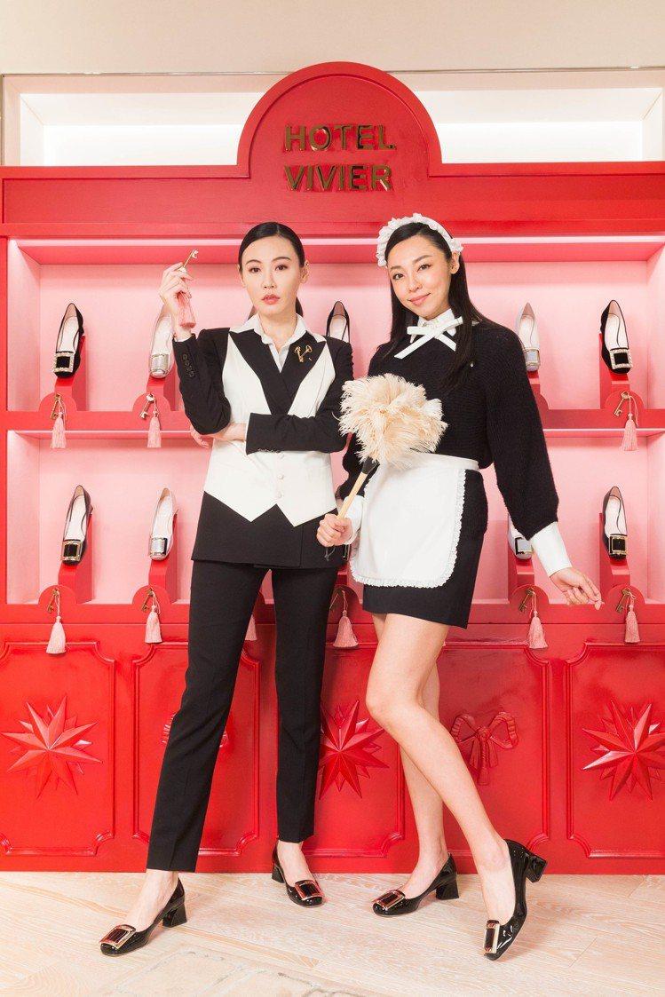 兩人皆穿Tres Vivier漆亮皮淡金釦高跟鞋29,600元。圖/迪生提供