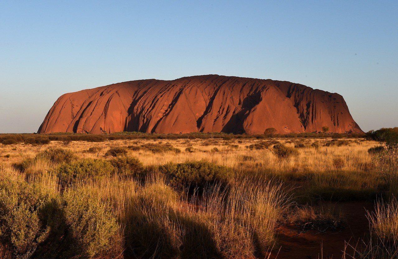 澳洲內陸著名的景點艾雅斯岩。 歐新社