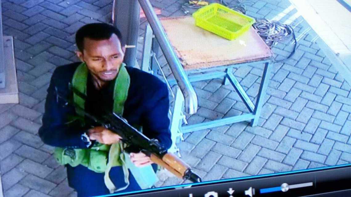 監視錄影器中的槍手影像。 圖/美聯社