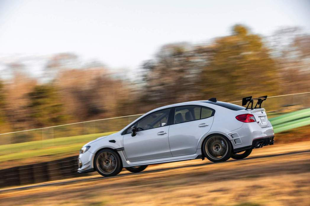 Subaru WRX STI S209。 摘自Subaru