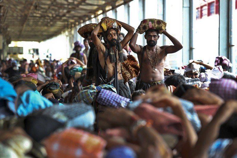 薩巴里馬拉寺廟是全國民眾朝聖之旅的熱門勝地。 圖/美聯社