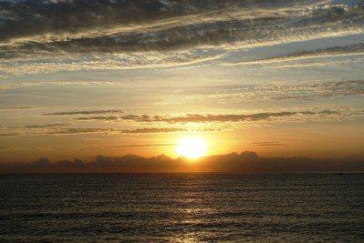 住海邊時經常可以看到的美景。圖/鄭雅嬬提供
