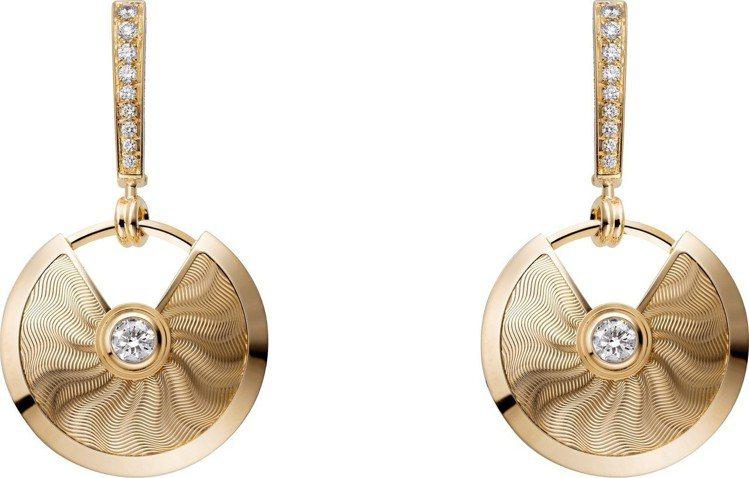 AMULETTE DE CARTIER扭索雕紋K金鑲鑽耳環小型款,30萬4,00...