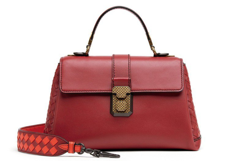 法國小牛皮雙色格紋背帶Piazza迷你包款,76,700元。圖/Bottega ...