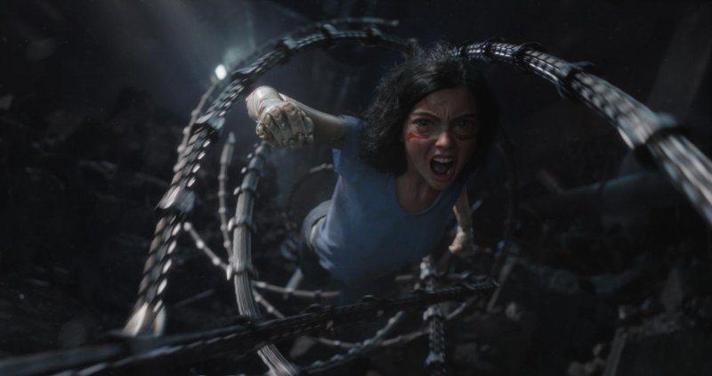 「艾莉塔:戰鬥天使」特效驚人,是「阿凡達」導演詹姆斯卡麥隆打造全新科幻娛樂大片。...