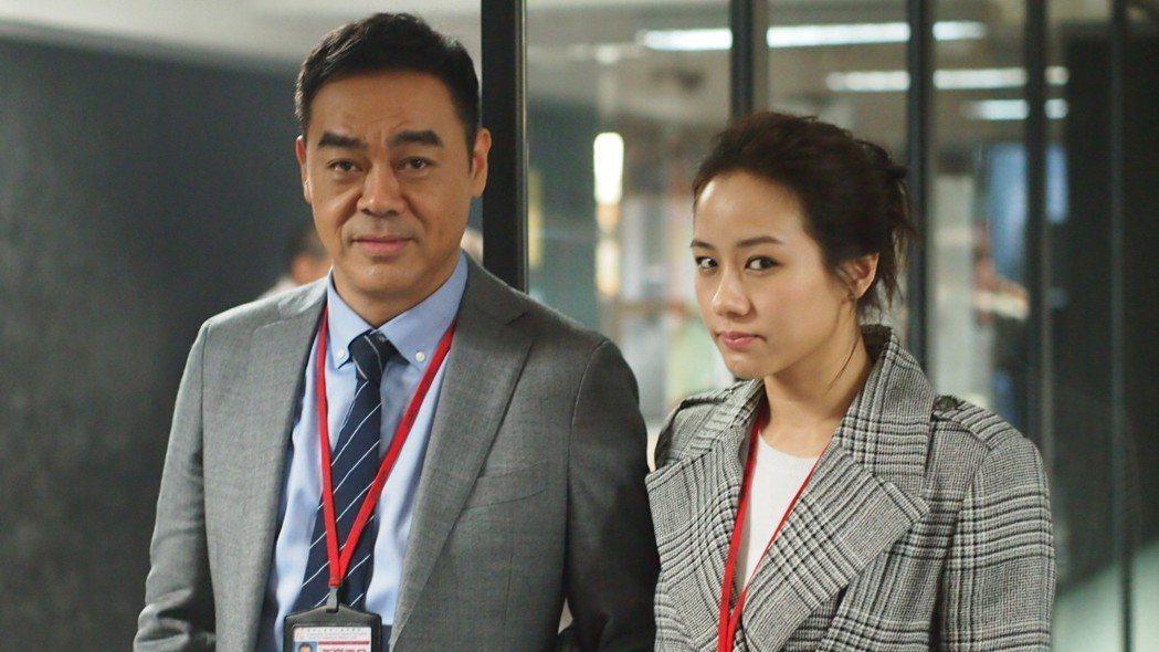 劉青雲、林嘉欣以及張家輝主演的「廉政風雲」是情節緊湊的警匪動作片。圖/華映提供