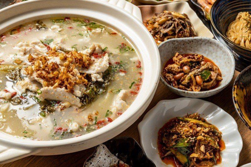 人氣王酸菜魚片鍋特選鬼頭刀魚。