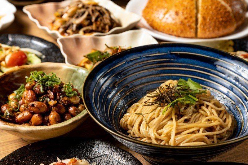 招牌菜「麻餅」及「蔥油拌麵」可吃到飽。