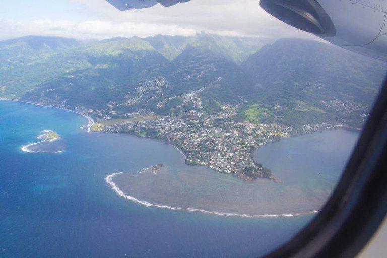 飛機上看大溪地島,相對其他島嶼,明顯人口較密集 圖文來自於:TripPlus
