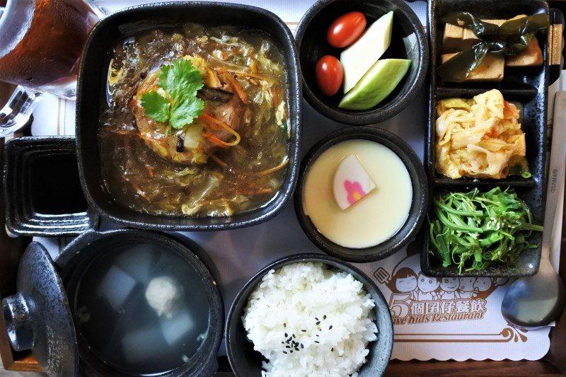 (圖/台灣旅行趣) ▲傳統的手路菜有單點或是套餐可選擇。當然點套餐最划算啦~單點...