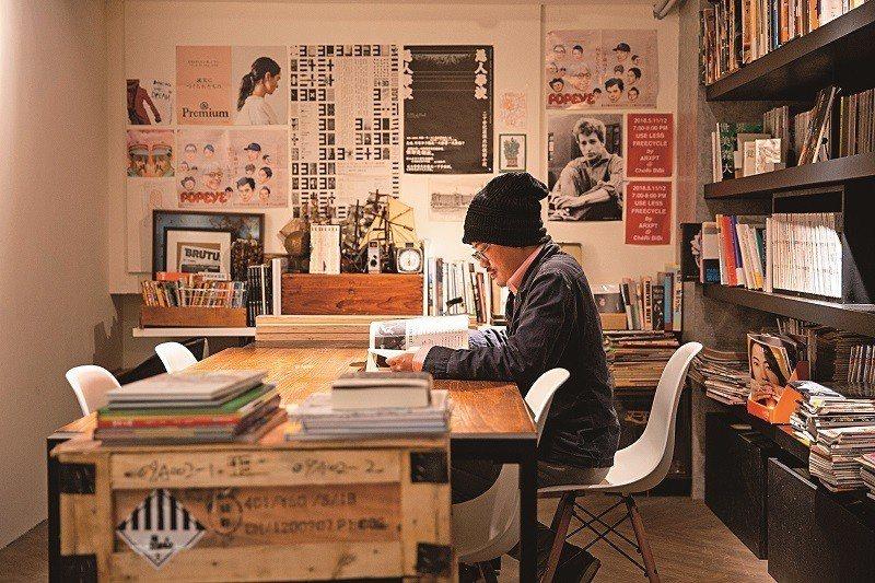 薄霧書店以分享為概念,讓更多人在此尋覓靈感。(攝影/林俊耀)