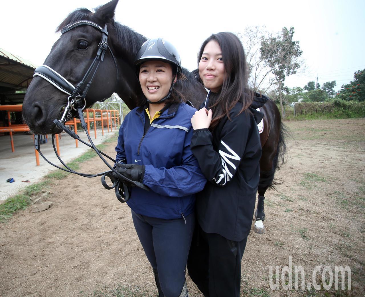 馬術天后葉繡華(左)成立台灣第一座國際馬術中心,並積極培訓馬術好手代表台灣參賽。...