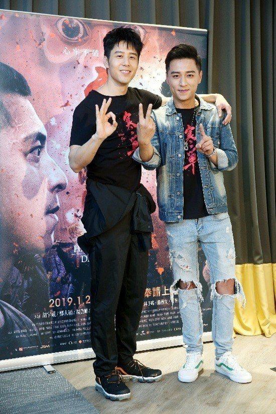 胡宇威(左)與鄭人碩在「寒單」對手戲最多,戲外也有不錯情誼。記者邱德祥/攝影