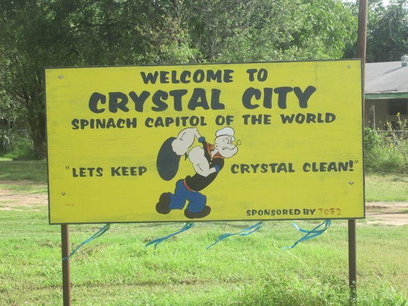 德州水晶城的看板,也以大力水手卜派為象徵。圖/取自CRYSTAL CITY PO...