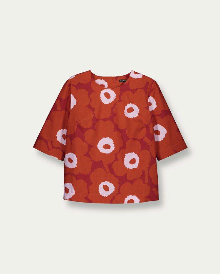 unikko印花紅色五分袖上衣,6,950元。圖/marimekko提供