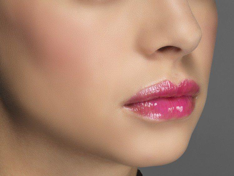 L'Oreal Paris X Isabel Marant精彩時刻4D玩色唇油是...