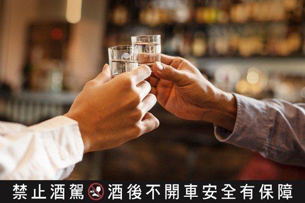 酒國老司機教藏好酒 58度金門高粱酒〈千日醇版〉增值入窖