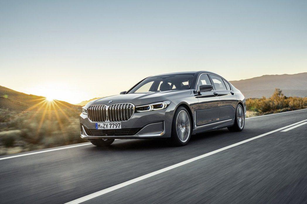 小改款BMW 750i xDrive/750Li xDrive搭載4.4升V8雙...