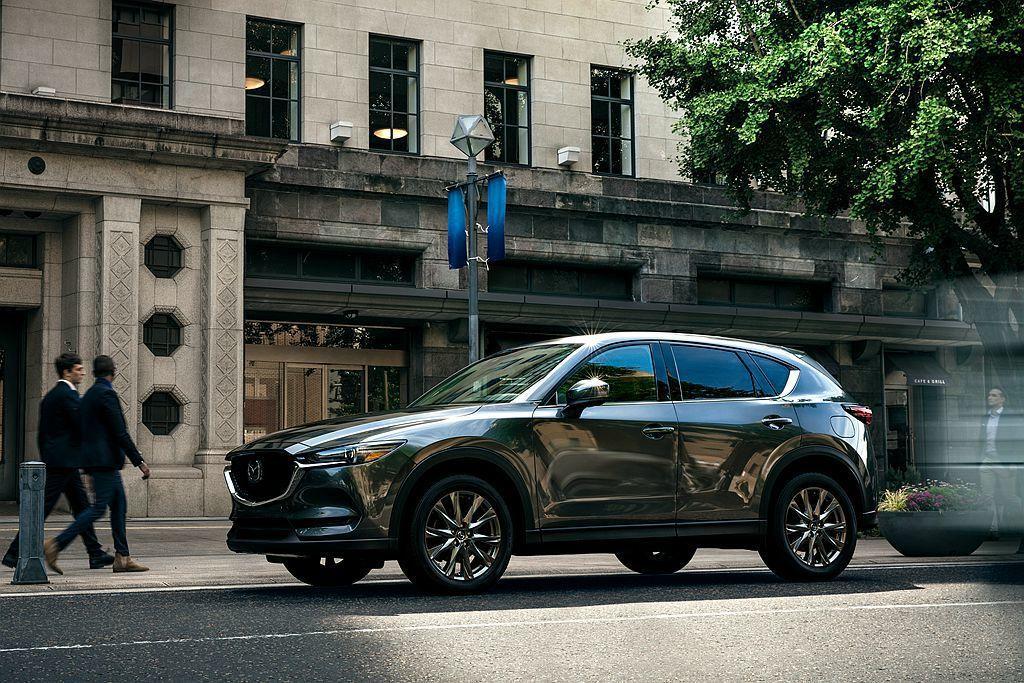 Mazda CX-5去年在美國市場不僅賣破15萬輛成績且成長18.1%,更佔品牌...