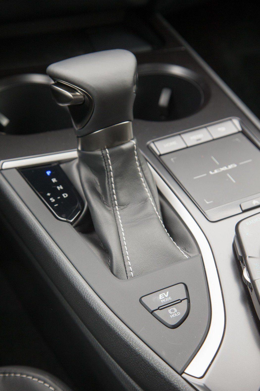 全新設計的ECVT變速箱。 記者陳立凱/攝影