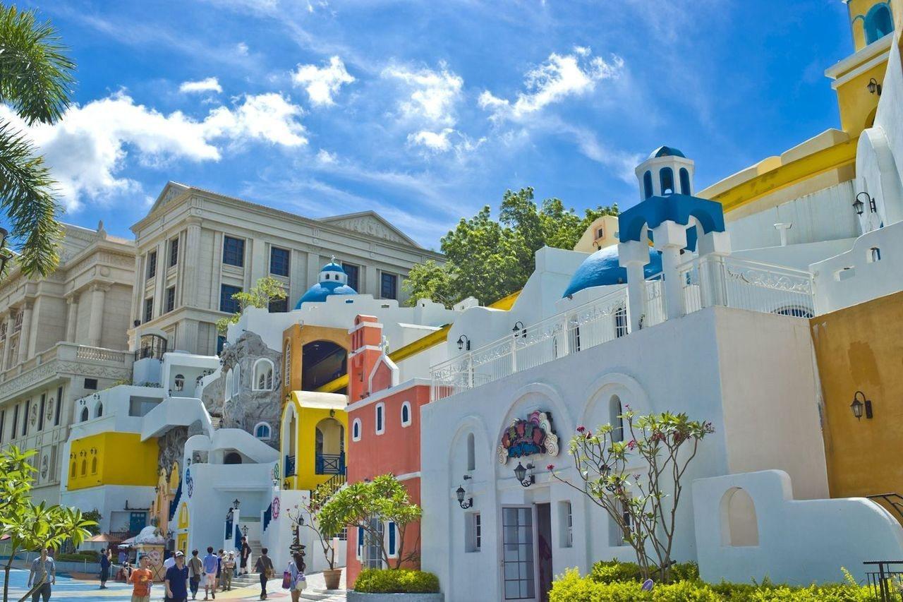 義大遊樂世界就有浪漫的聖托里尼山城,今年寒假還會加入五大洲知名景點,讓遊客「 玩...