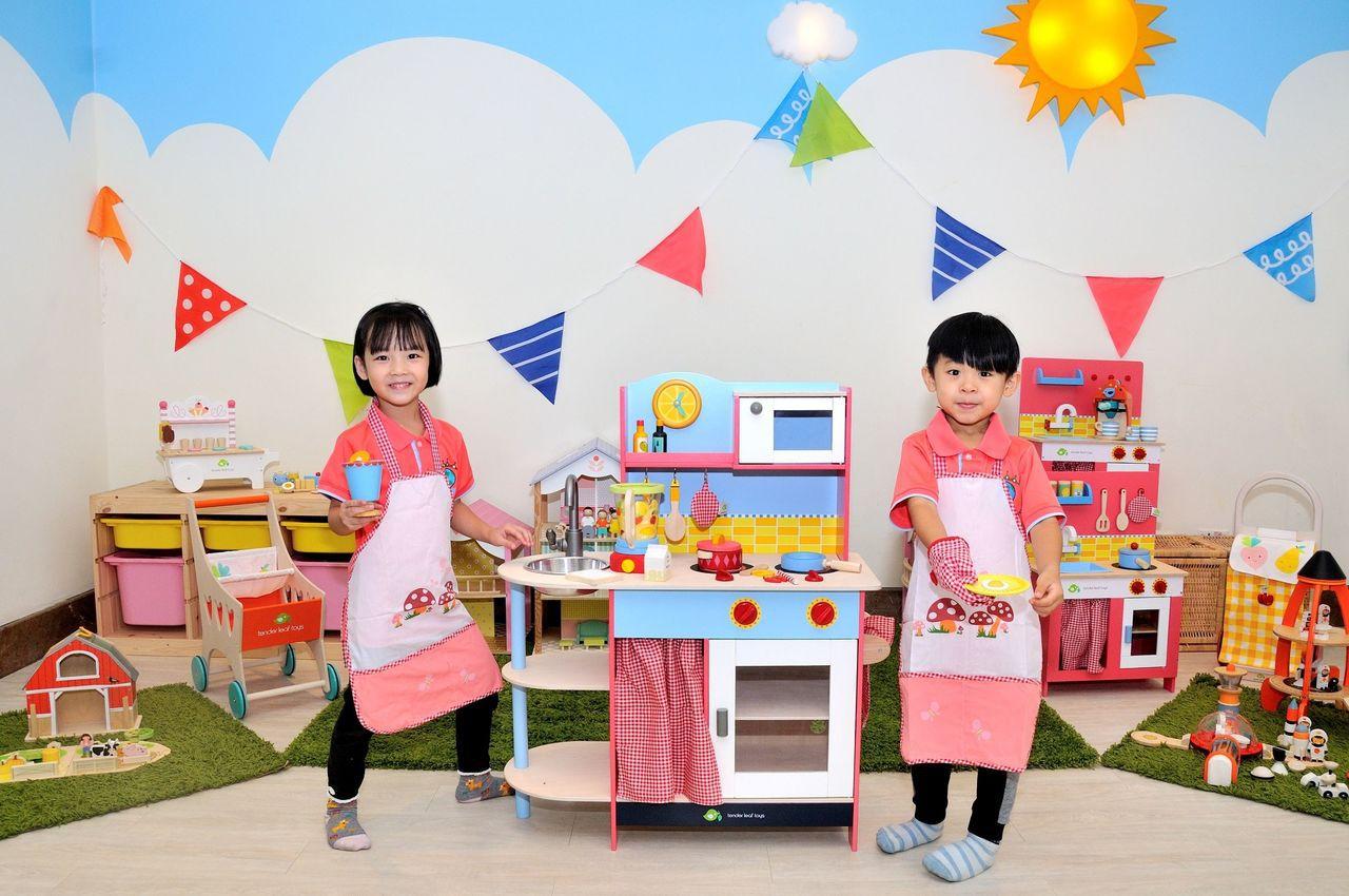 義大天悅飯店寒假推出「英倫城市主題遊戲區」,滿足親子旅行樂趣。