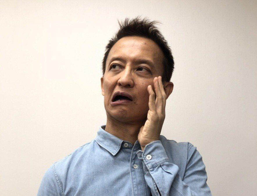 面部表情怪異,兩邊臉部表情不對稱,講話不清楚、不完整,這可能就是腦中風。圖/台灣...