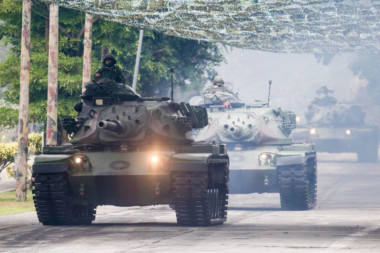 從掩體衝出的M60A3戰車。記者鄭清元/攝影