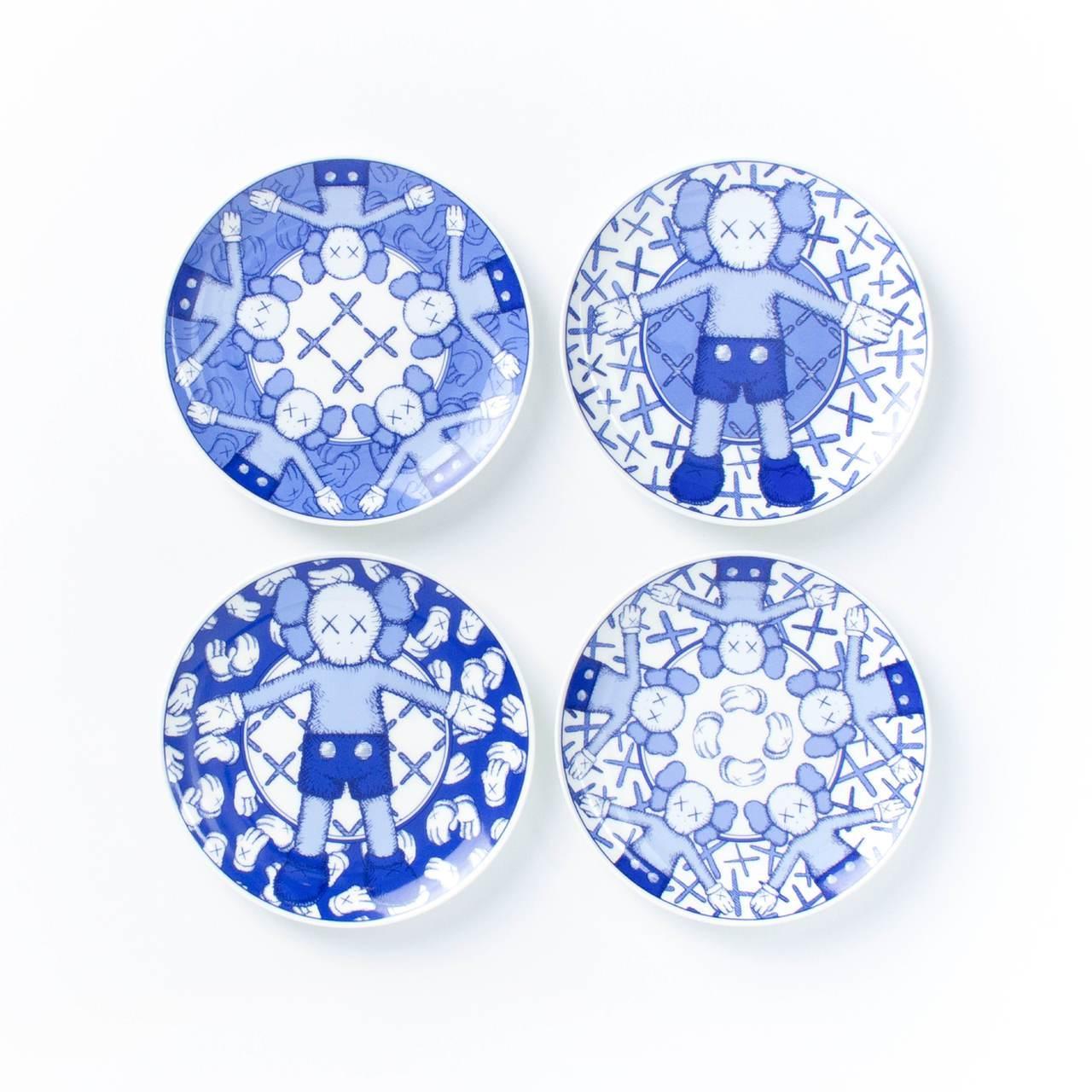 《KAWS:HOLIDAY Taipei》限量6吋骨瓷瓷碟4入套裝,售價4,10...