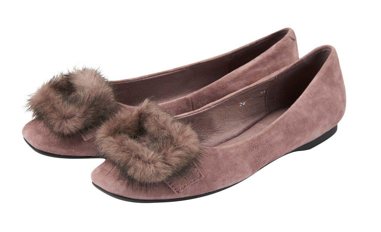 復興館B1女鞋區推1,200元福袋,可買到原價4,280元的Bo Derek美型...