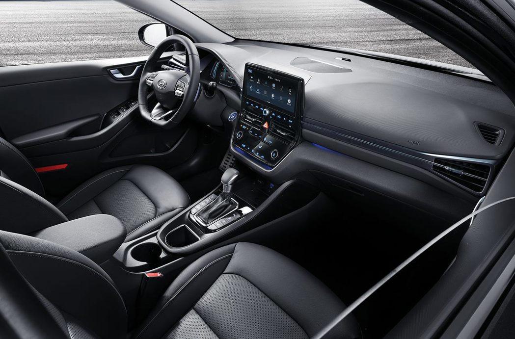 小改款Hyundai Ioniq內裝進化讓人很有感。 摘自Hyundai