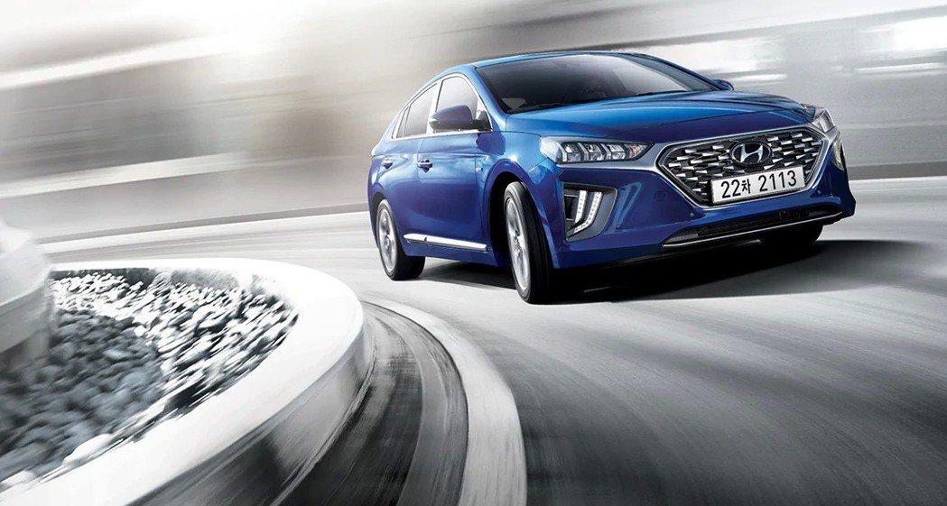 小改款Hyundai Ioniq Plug-in Hybrid的動力也與Hybr...
