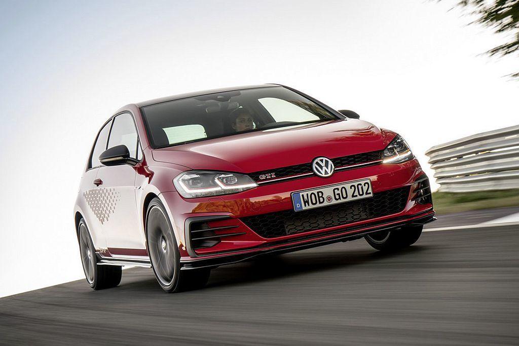 去年現身的福斯Golf GTI TCR概念車在今年量產問世並於歐洲市場搶先開賣。...