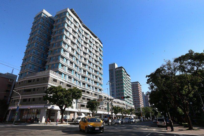 位於台北市松山區健康路、三民路口的健康公共住宅。 圖/聯合報系資料照